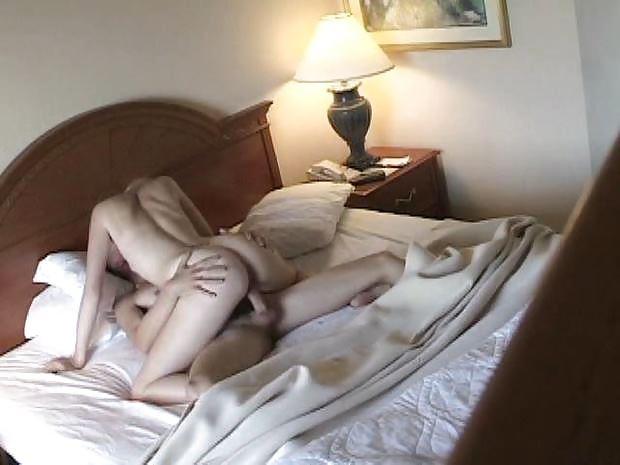 Порно скрытая камера студенты на природе утром игривая